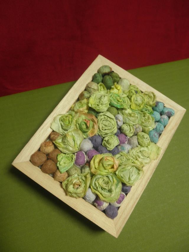 和紙の薔薇いっぱいの木製ボックス