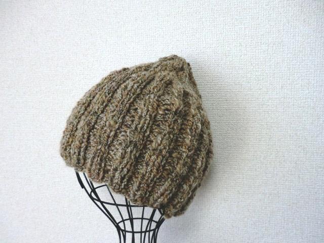 ほっこりウールのゴム編み帽子