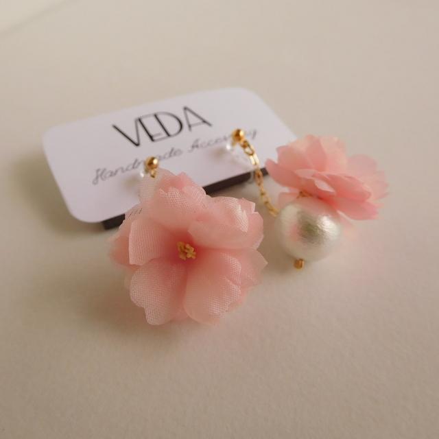 八重桜のイヤリング