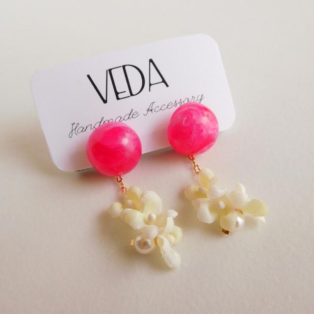 小花揺れるイヤリング ピンク #v-1