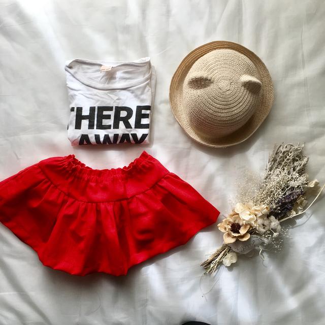 真っ赤なスカート付きブルマ
