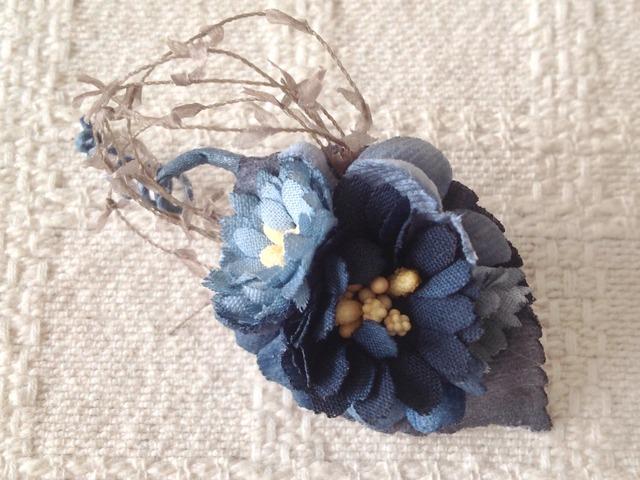 染め花のミニ2way(葉付き、ブルー)