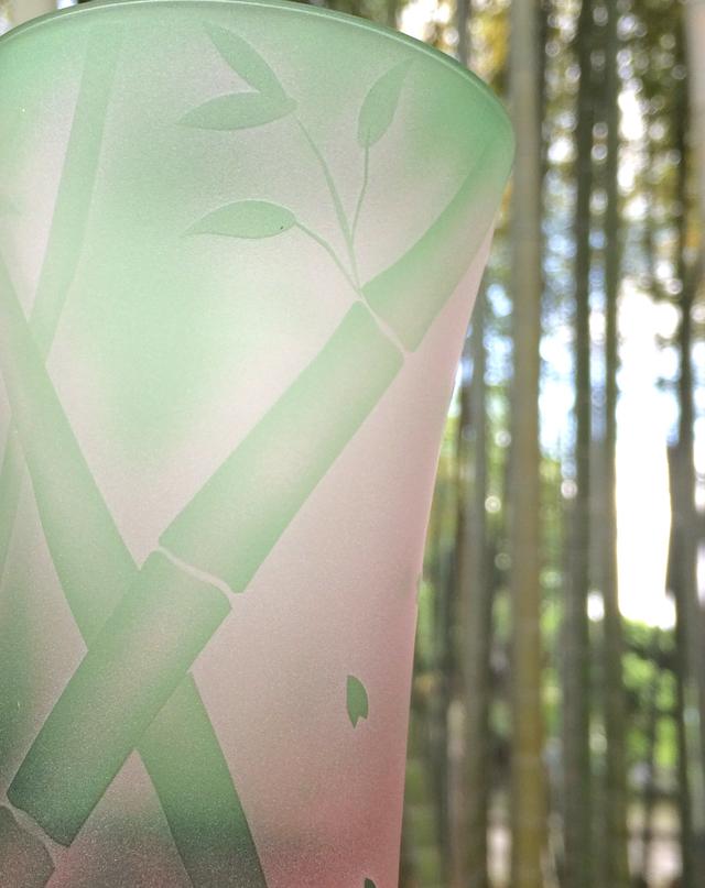 竹と枝垂れ桜のグラス