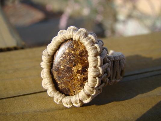 天然石ブロンザイト指輪 マクラメ編み