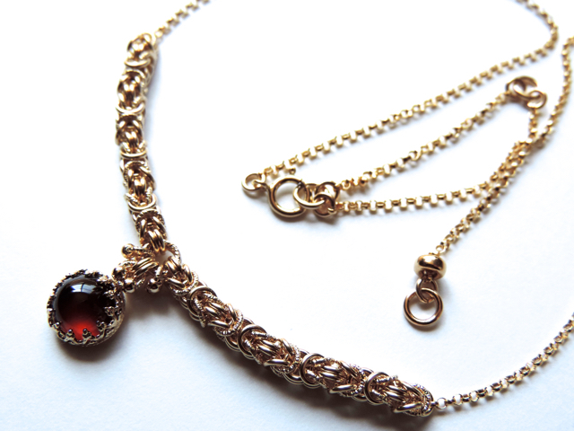 『 Red eyes ( heart ) 』Necklace by K...