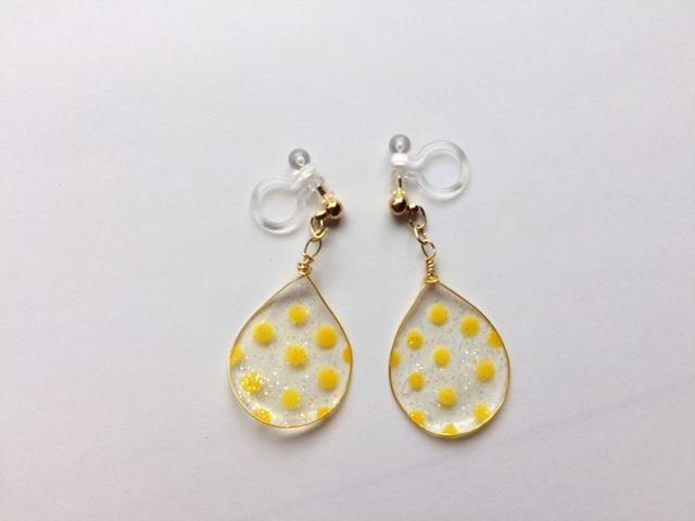 しずくのイヤリング*黄色×水玉