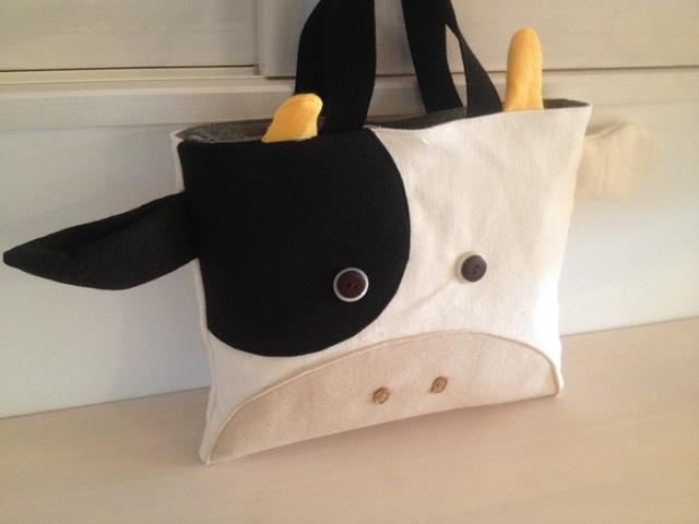 牛さんの絵本バッグ(片方ぶち)