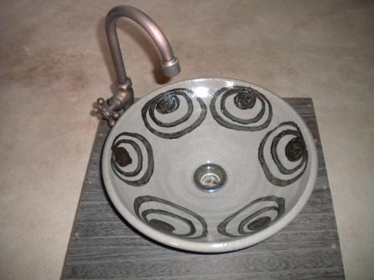 絵唐津馬目文様手洗い鉢