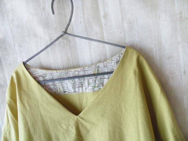 vネックシャツ mustard