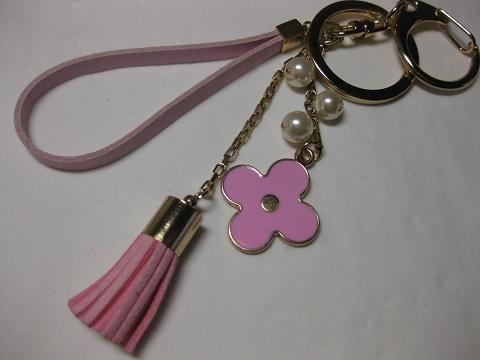 ピンクのお花のバックチャーム