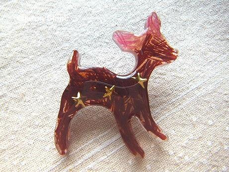 バンビのブローチ