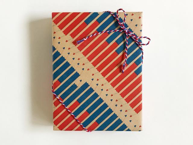 包み紙ー赤青鉛筆