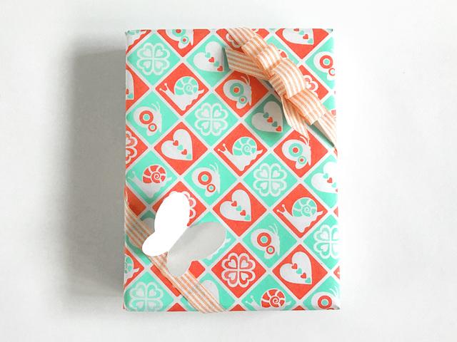 包み紙ーラッキースプリング