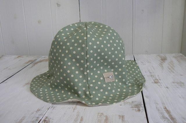 可愛いドット柄の帽子  Kids   (約54cm〜56cm)