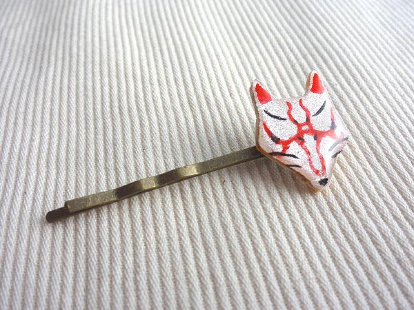 木でできた歌舞伎狐面ヘアピン【七太郎】