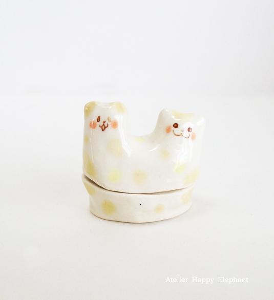 ふたごの子猫の蓋物