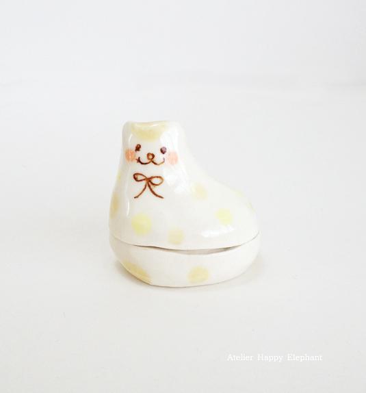 子猫のオブジェ(蓋物)