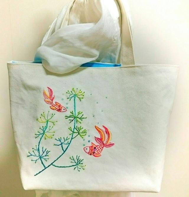 金魚のトートバック(手刺繍&ビーズ)