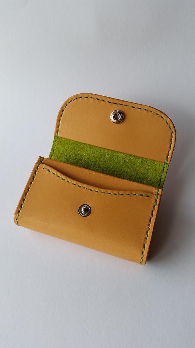 サドル革のカード入れ(黄緑色仕様)