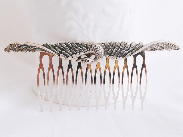 白鳥のヘアコーム