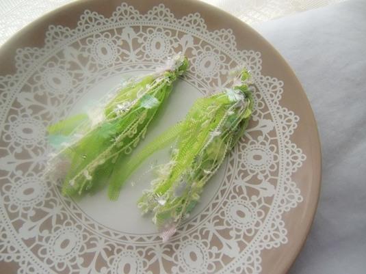 サラダみたいなタッセルピアス