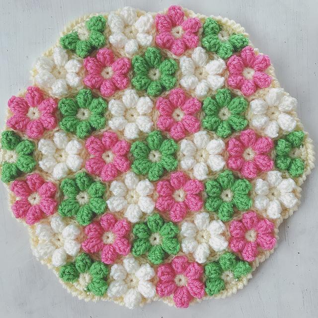 手編みの円座 お花モチーフ グリーンミックス