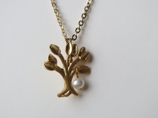 再販 小さな木のネックレス