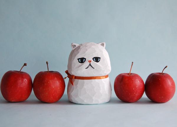 木彫り人形ネコ エキゾチック白 ミドルサイズ [MWF-075]