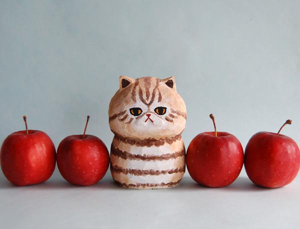 木彫り人形ネコ エキゾチック茶トラ ミドルサイズ [MWF-076]