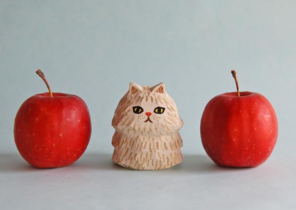 木彫り人形ネコ ベージュペルシャ  [MWF-077]