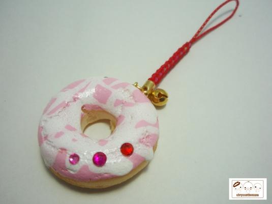 【値下げ】ピンクドーナツの根付ストラップ