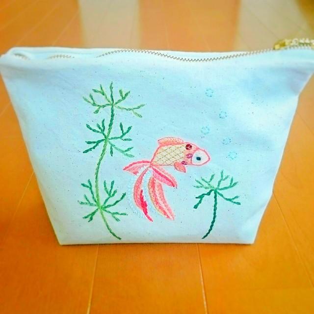 金魚のポーチ(手刺繍)