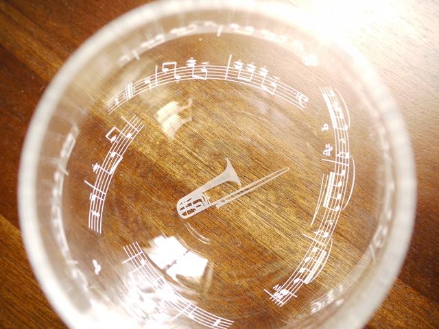 楽器のゆらりんグラス(トロンボーン)