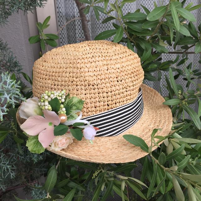 お花のラフィア帽子