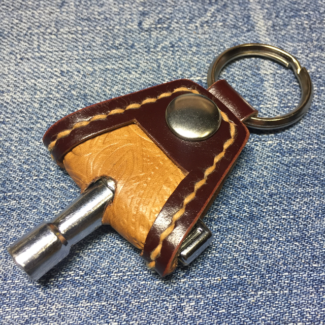 ドラムチューニングキー用ホルダー(革...