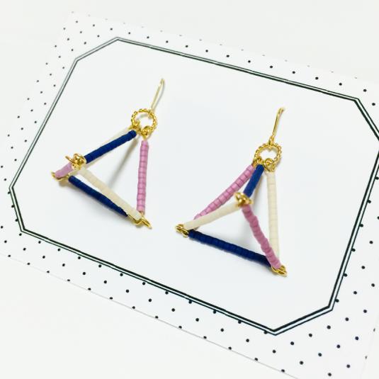 三角錐ピアス(青×ピンク)