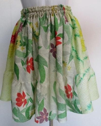 送料無料 花柄の着物で作ったミニスカ...