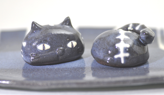 猫の「あたま」と「しっぽ」の箸置きペア