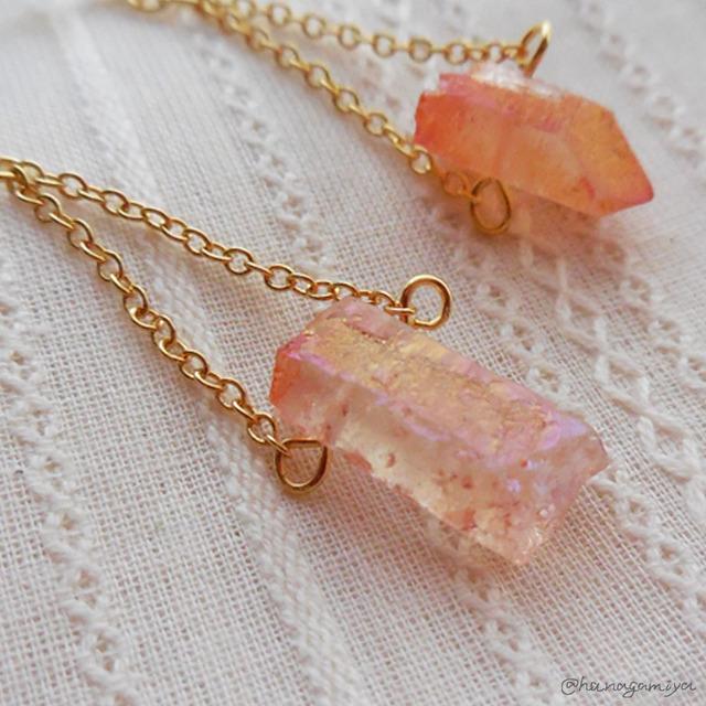 きらきらピンクの石のピアス