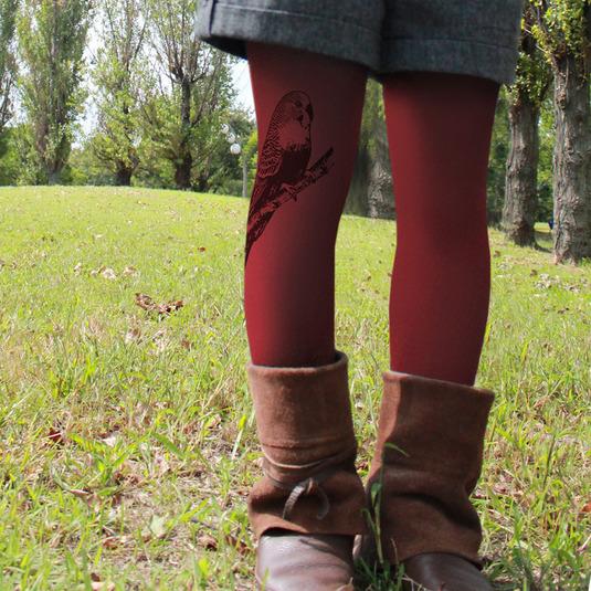 カラープリントタイツ「セキセイインコと木の実」