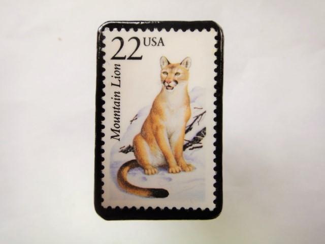 アメリカ 切手ブローチ 2556