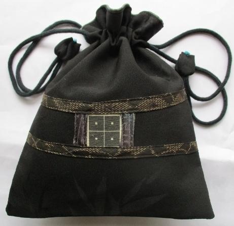 送料無料 地模様入りの黒の羽織で作っ...
