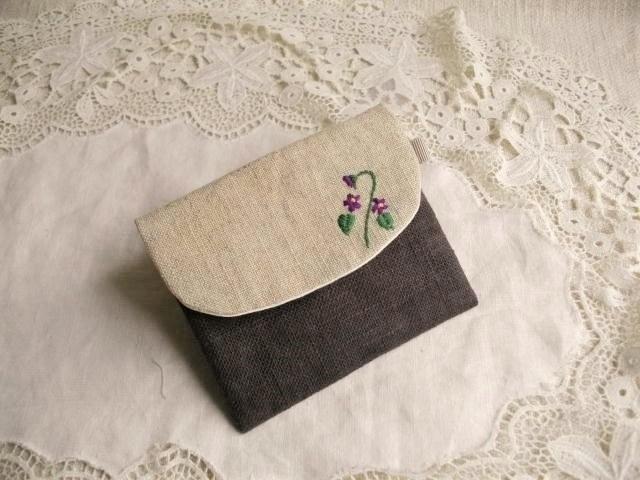 パープルリネンICカードケース刺繍スミレ