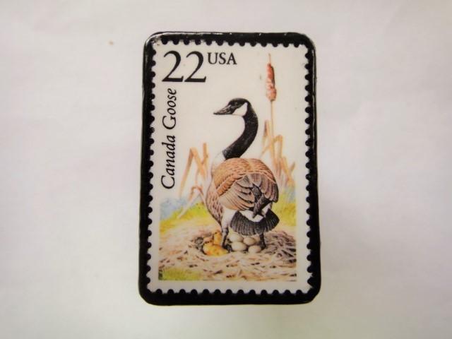 アメリカ 切手ブローチ 2561