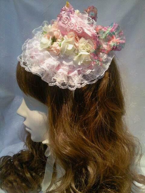 ピンクの小鳥とお花のラウンド型ヘッドドレス