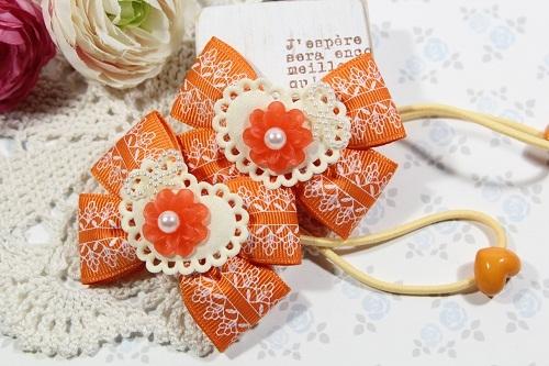 Wリボンのヘアゴム(クリアなお花とオレンジのレース)