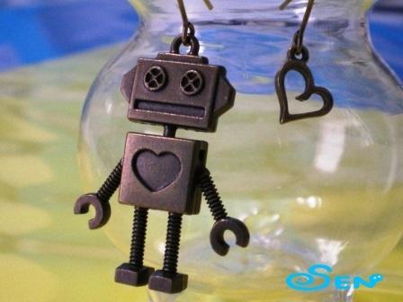 ロボットのピアス(ハート)