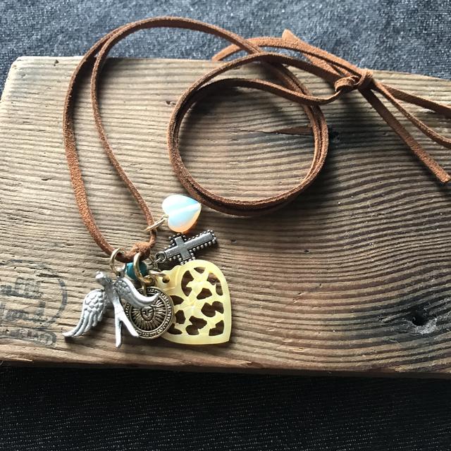 チャームのネックレス
