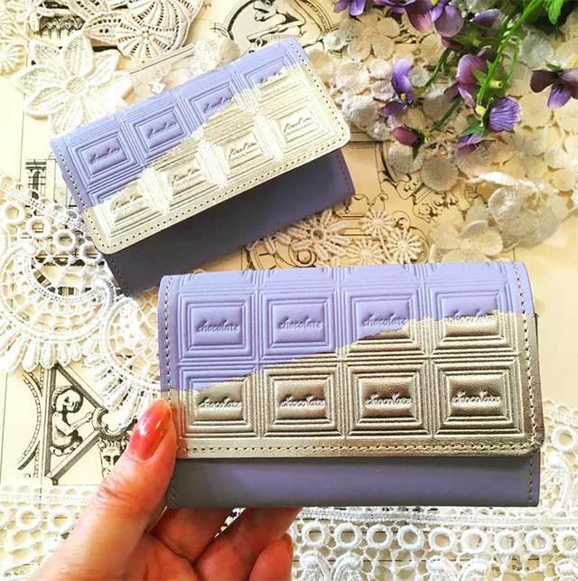 革の菫色チョコ・名刺入れ(銀の包み紙)