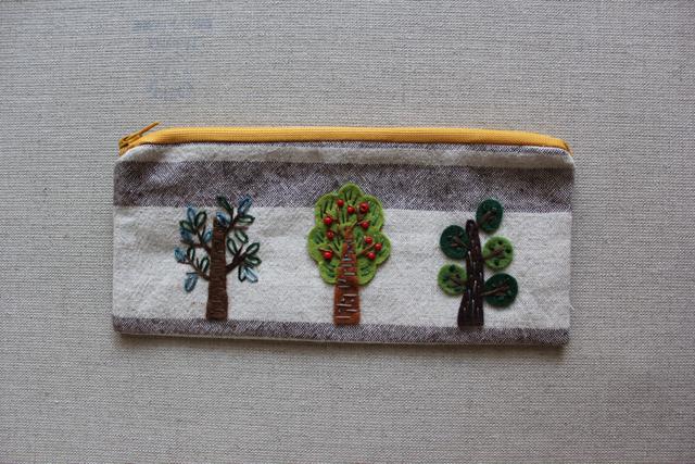 3本の木のフラットペンケース